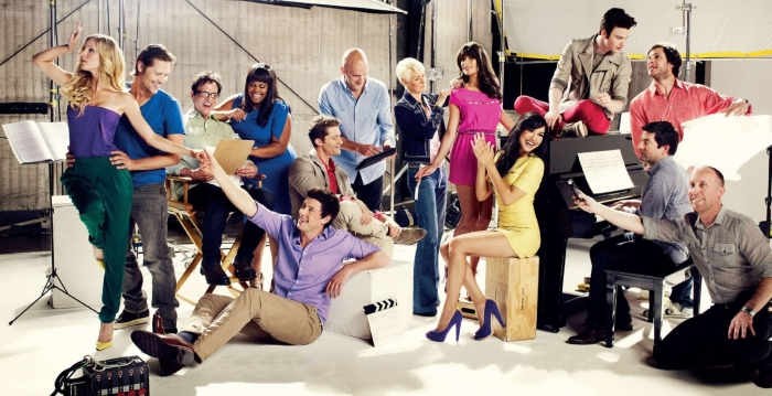 Glee-The-Hollywood-Reporter-glee-21958646-2048-1051