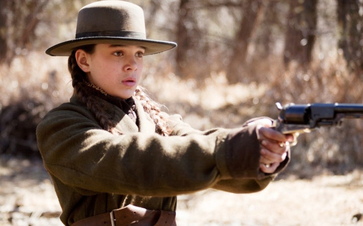 hailee-steinfeld-in-true-grit-movie-1680x1050