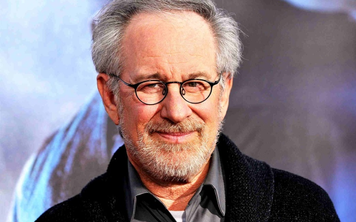 Steven Spielberg Wallpaper @ Go4Celebrity.com