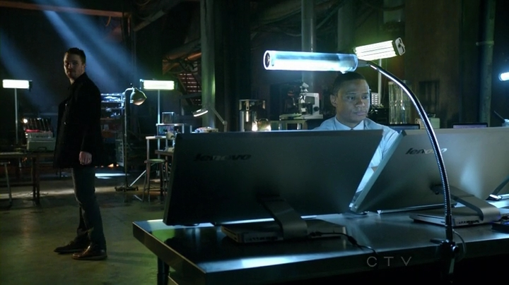Arrow.S01E17.HDTV.x264-LOL.mp4_000449407