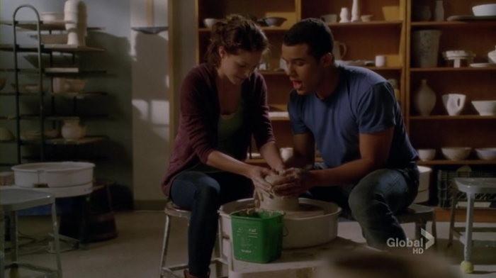 Glee.S04E15.HDTV.x264-LOL.mp4_002130962