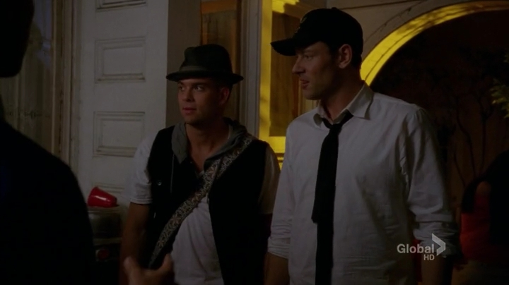 Glee.S04E19.HDTV.x264-LOL.mp4_001183348