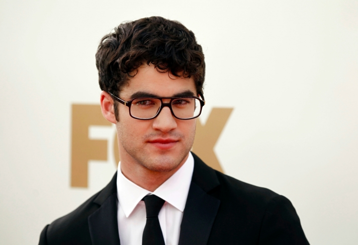 Darren-Criss-the-2011-Emmys-glee-25424894-2048-1407