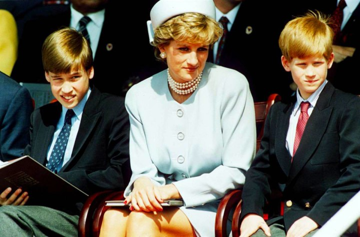 Prince-William-with-Mother-Princess-Diana-and-Prince-Harry