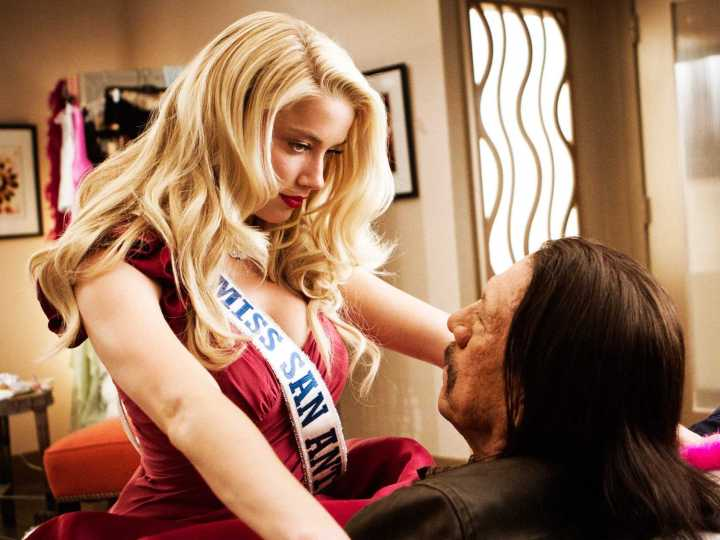the-latest-ridiculous-trailer-for-machete-kills-features-girls-kicking-butt