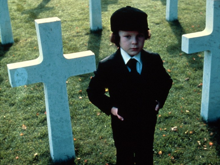 19958_omen_or_the-omen_1600x1200_www-gdefon-ru_