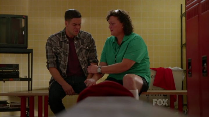 Glee.S05E03.HDTV.x264-LOL.mp4_001394601