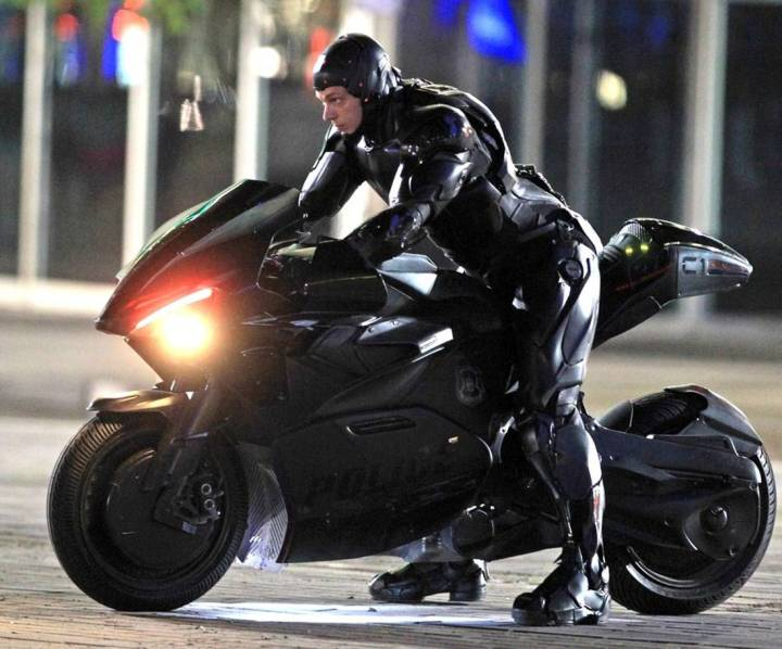 ROBOCOP-Set-Photo-03