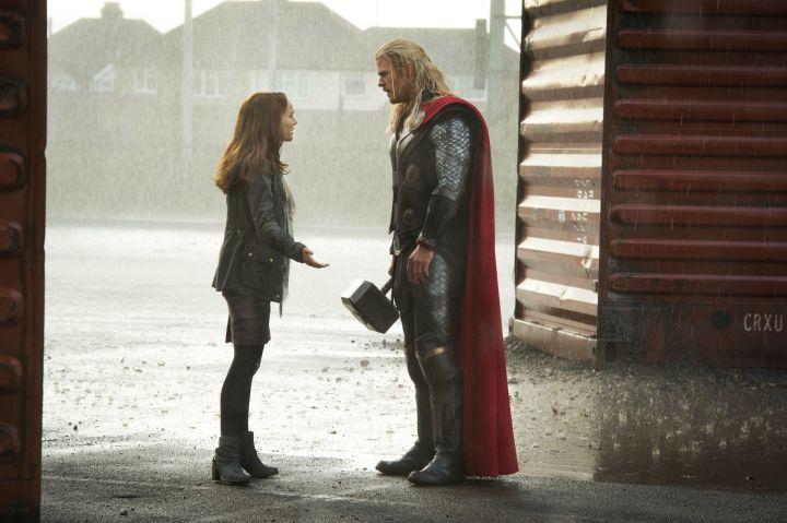 Thor-the-Dark-World-Thor-and-Jane