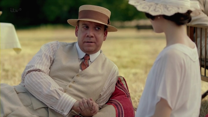 Downton.Abbey.2013.Christmas.Special.HDTV.x264-FoV.mp4_003111960