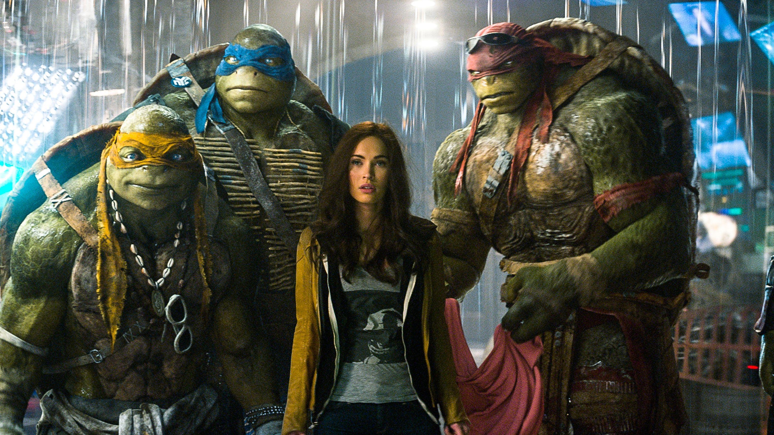 Foto : abril y las ninja tortugas de la versión de la película de