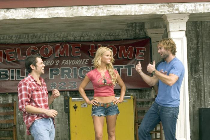 L-r-JOHNNY-KNOXVILLE-as-Luke-Duke-JESSICA-SIMPSON-as-Daisy-Duke-and-SEANN-WILLIAM-SCOTT-as-Bo-Duke-star-in-Warner-Bros.-Pictures-and-Village-Roadshow-Pictures-action-comedy-The-Dukes-of-Hazzard-distri