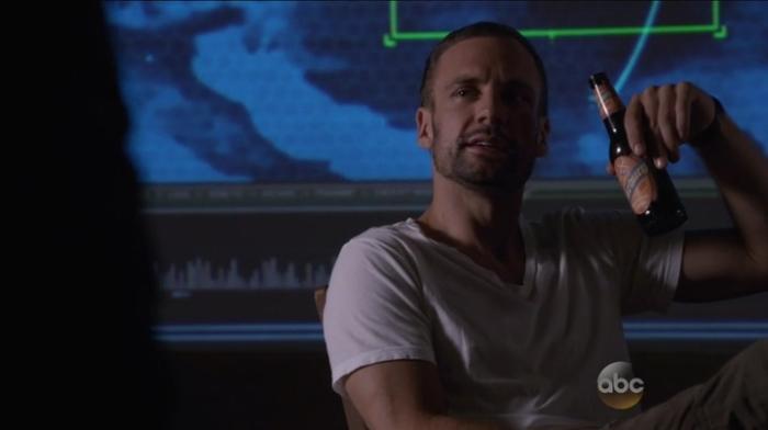Marvels.Agents.of.S.H.I.E.L.D.S02E01.HDTV.x264-KILLERS.mp4_000940230