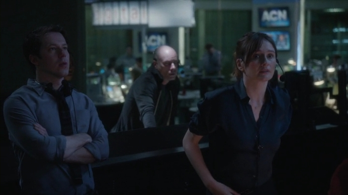 The.Newsroom.2012.S03E01.HDTV.x264-KILLERS.mp4_002490779