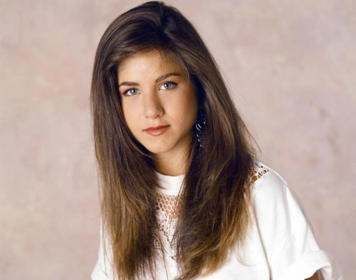 jennifer-aniston-changing-hair-1990