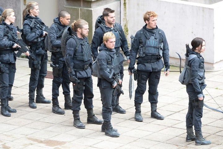 "*EXCLUSIVE* ""The Hunger Games"" Cast gears up for a day of Filming **USA ONLY**"