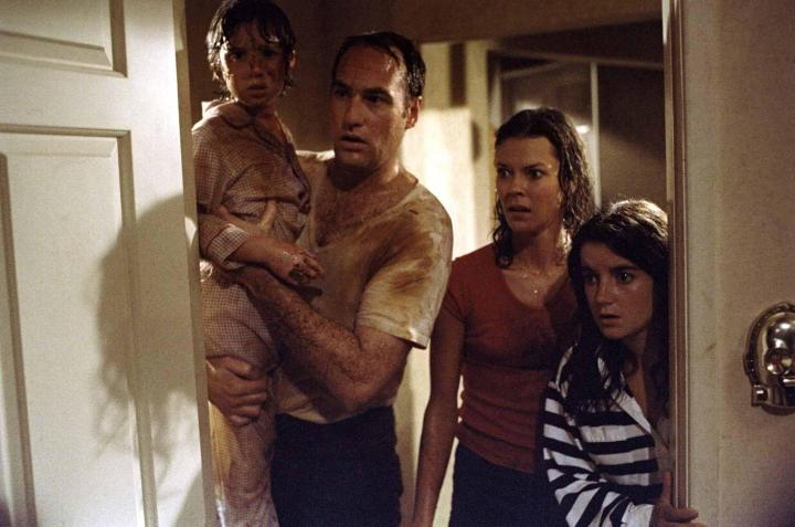 still-of-jobeth-williams-and-craig-t.-nelson-in-poltergeist-(1982)-large-picture
