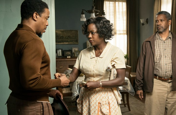 Fences (2016) Russell Hornsby as Lyons, Viola Davis as Rose Maxson, Denzel Washington as Troy Maxson and Stephen McKinley Henderson as Jim Bono